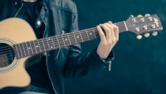 The Best Apps and Services for Learning How to Play an Instrument