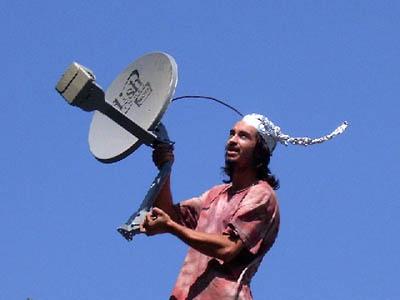 i-73165fc1d75521de28fba79af4a8d8dc-tinfoil_hat_antenna