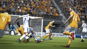 FIFA 14: Pure Shot e Fisica della Palla Reale. Video in italiano
