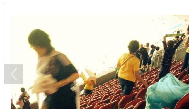 ワールドカップ サッカー日本代表 - 日本人サポーターが世界から賞賛された「ゴミひろい」で世界をつなごう  【@maskin】