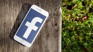 Facebookの写真レイアウトが刷新 「いいね!」が多くついた画像を大きく表示