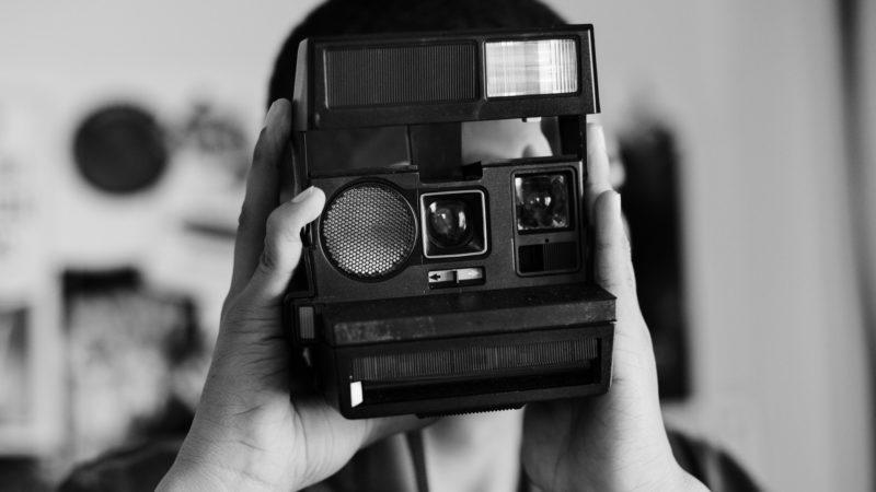 Instagramで話題沸騰中のレトロ写真アプリ