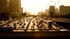 Como fugir de congestionamentos com apps para trânsito no celular