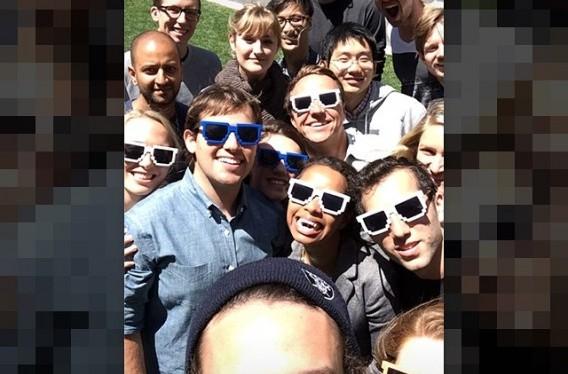 Facebook apresenta sua versão social do Snapchat: o Slingshot