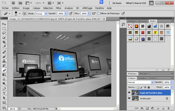 Effacer le calque noir et blanc dans les zones souhaitées Photoshop
