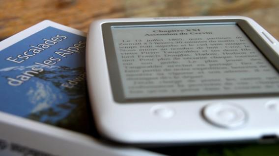 ... mais malheureusement pas tous compatibles avec les lecteurs disponibles  en magasin. L'iPad sait ainsi lire le format ePub, proscrit sur Kindle.