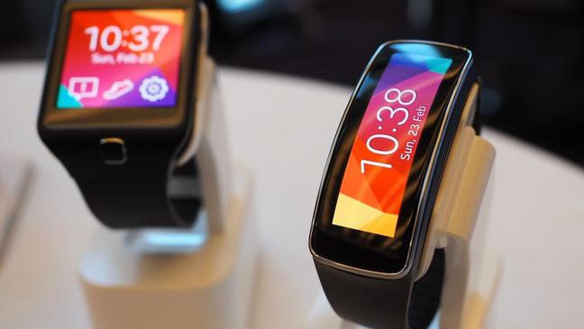 Samsung Gear Fit, Sony SmartWatch 2: Le résumé vidéo de la troisième journée du MWC 2014