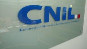 Facebook : la CNIL s'inquiète de l'expérience émotionnelle pratiquée par le réseau social