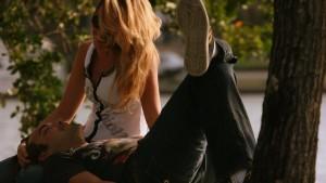Un site vous crée une petite amie virtuelle pour camoufler à vos amis votre célibat honteux
