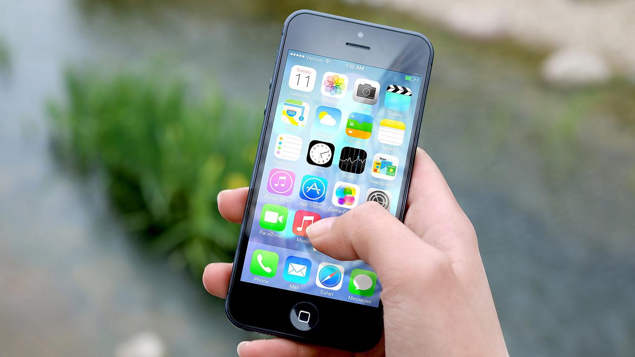 Comment supprimer les icônes des applis par défaut d'iOS